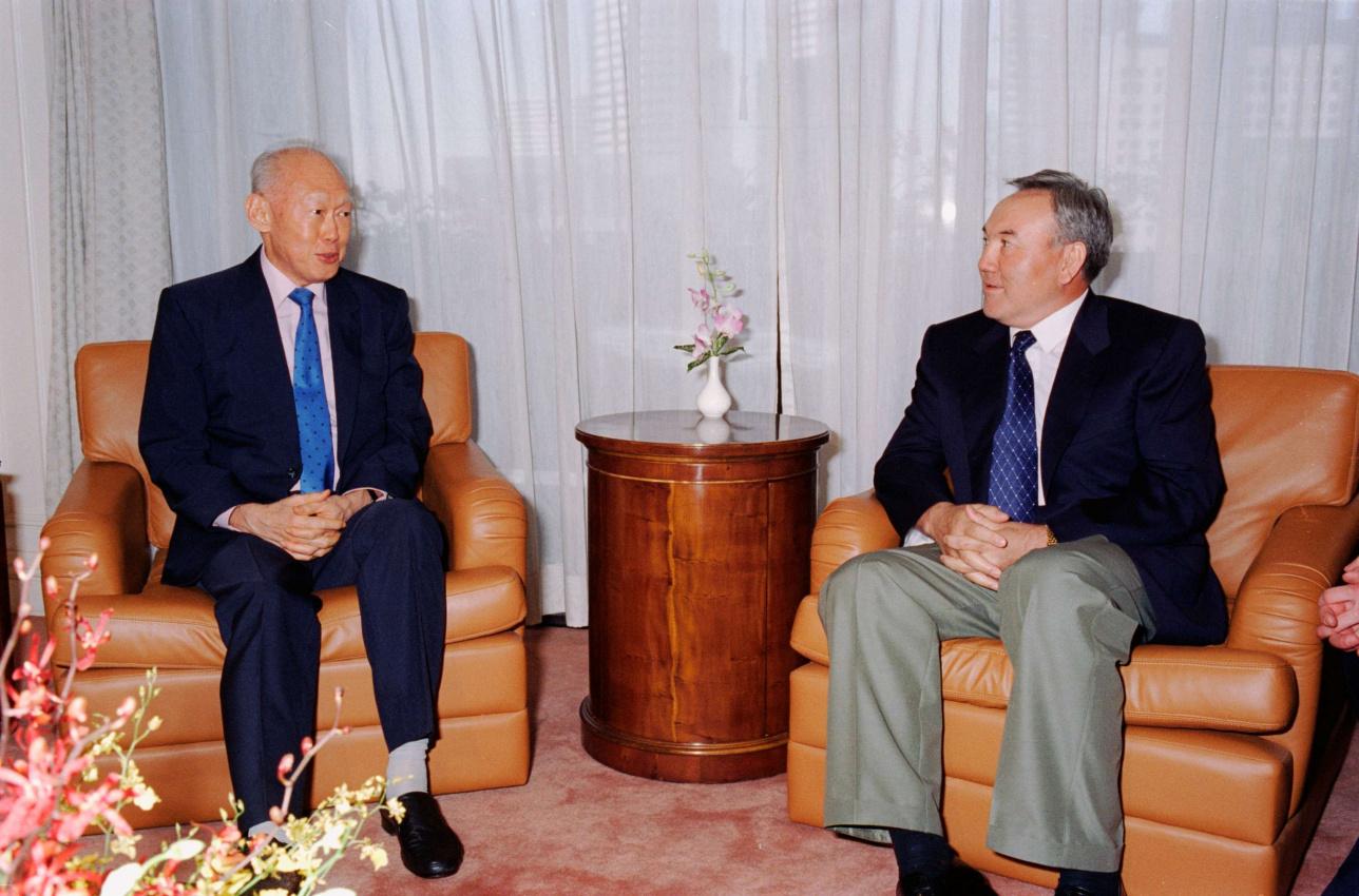 Встреча Нурсултана Назарбаева и Ли Куан Ю во время официального визита Первого Президента в Сингапур. Май 1996 г.