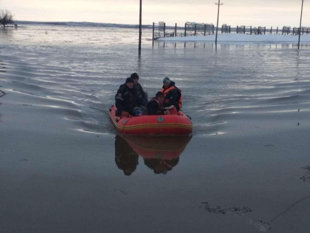 Спасатели в Жанаркинском района Карагандинской области