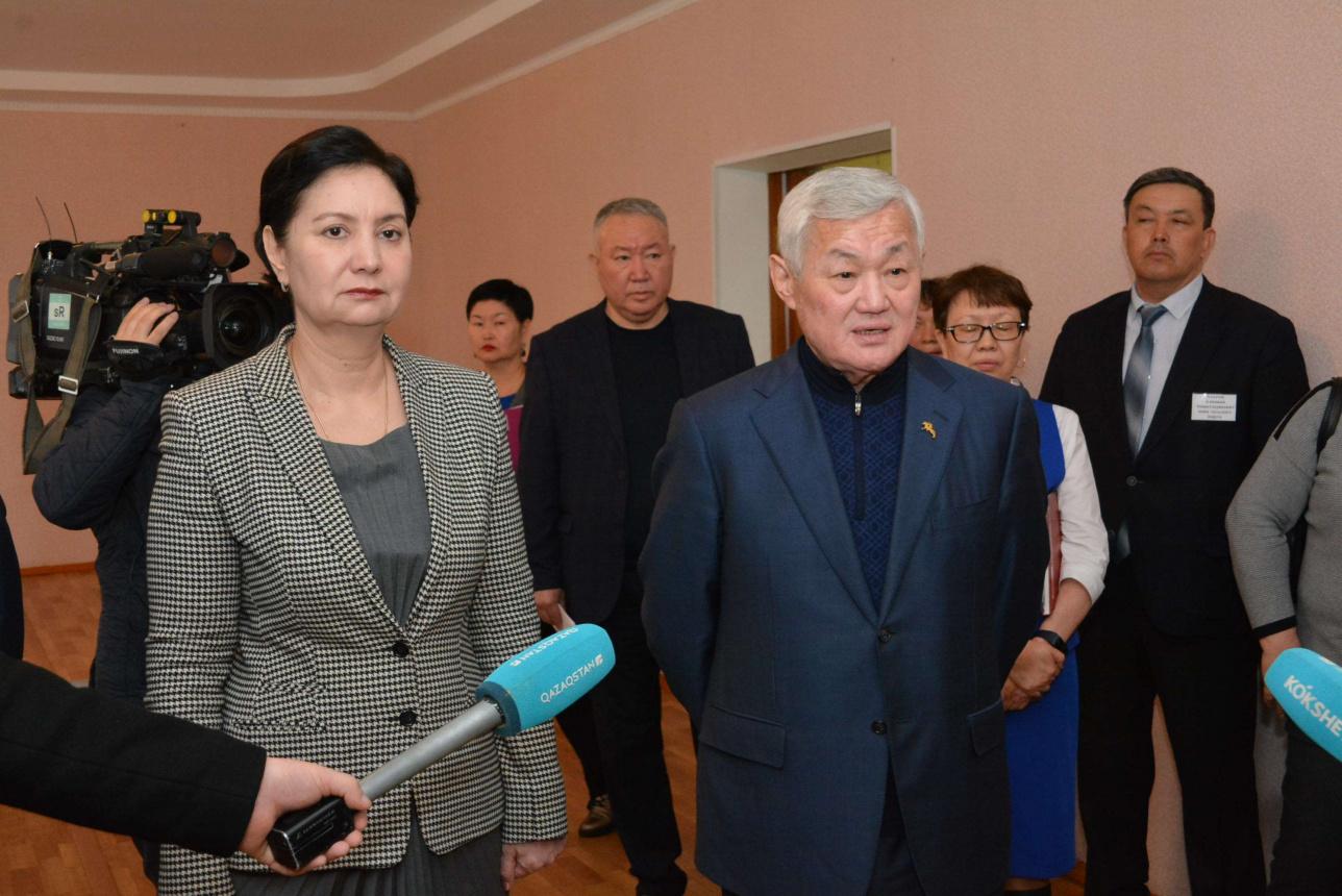 Гульшара Абдыкаликова и министры социального блока посетили Акмолинскую область