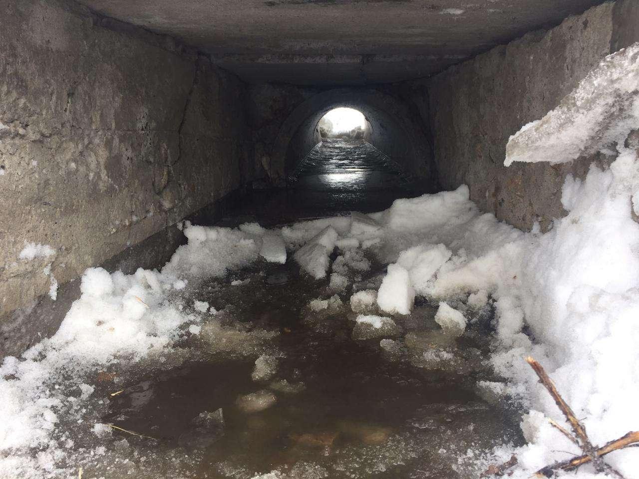 В посёлках нужно прочистить ещё несколько сотен водопропускных сооружений