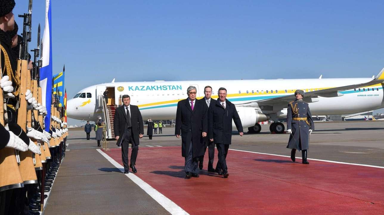 Среди встречающих Касым-Жомарта Токаева был вице-министр иностранных дел России Александр Панкин