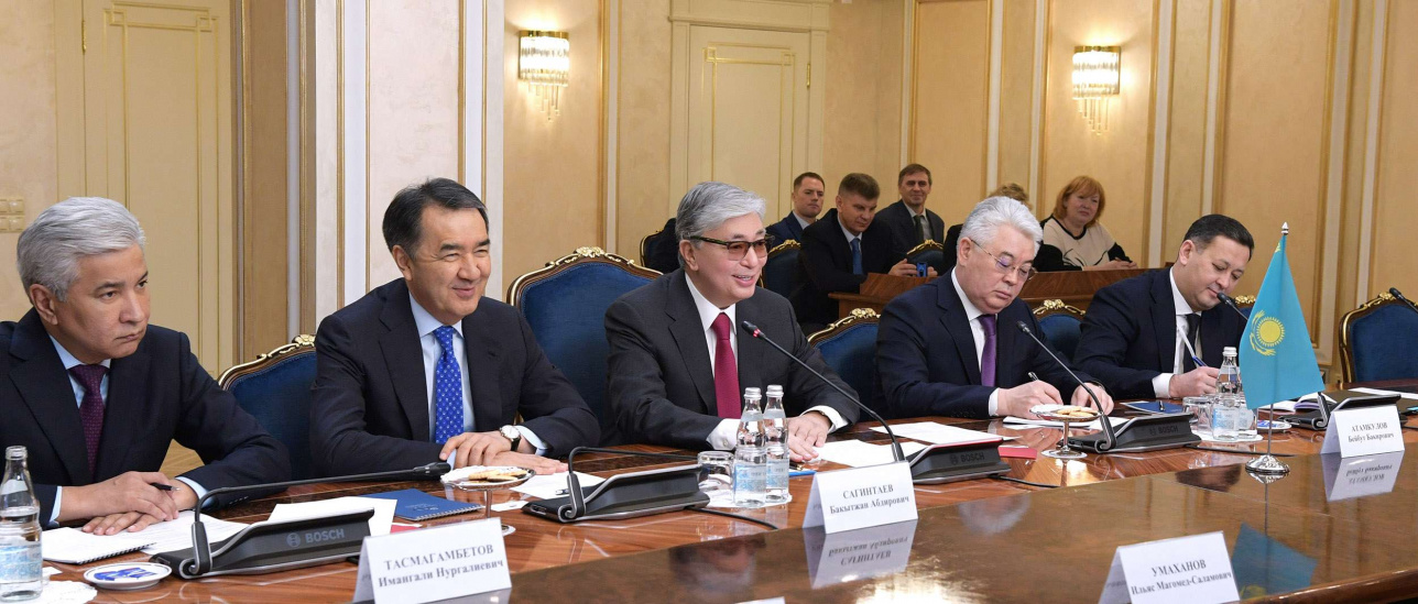 Казахстанская делегация во главе с президентом в Москве