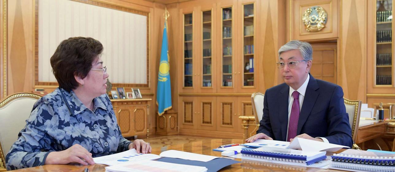 Касым-Жомарт Токаев встретился с министром образования Куляш