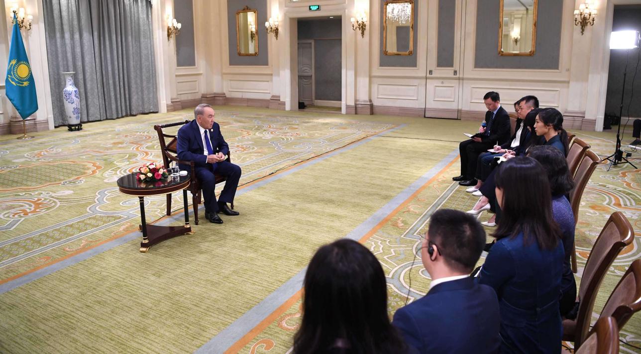 Елбасы дал интервью китайским СМИ