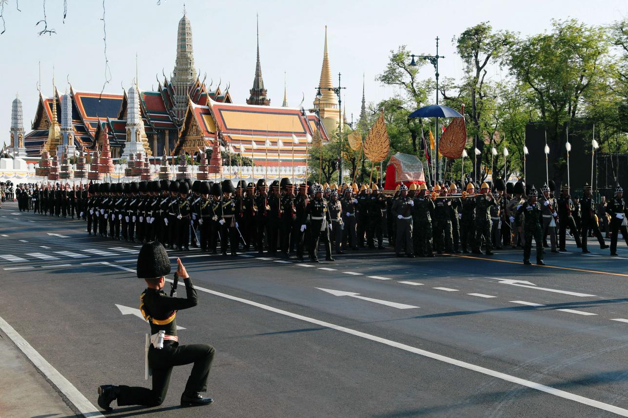 Тайские военные репетируют шествие, которое состоится в следующие выходные в Бангкоке