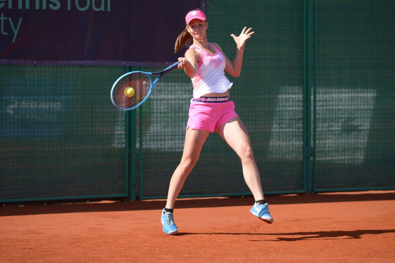Противостояние девушек на Almaty Open