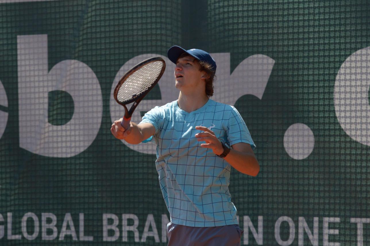 Противостояние юношей на Almaty Open