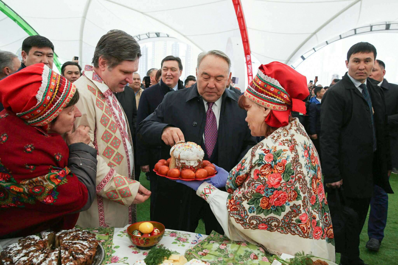 Назарбаев на праздновании 1 мая в Нур-Султане