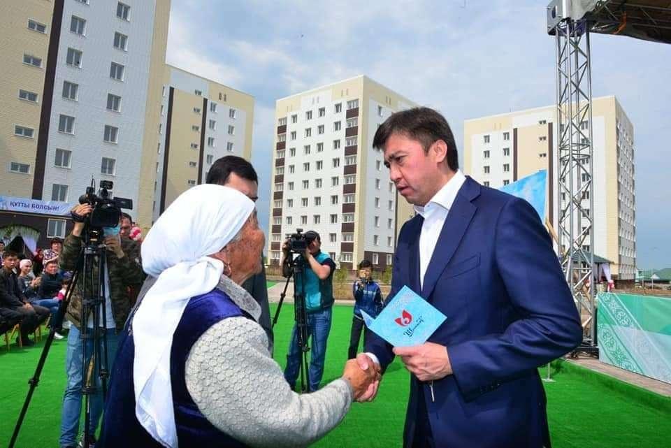 Квартиры получили многодетные семьи в Шымкенте