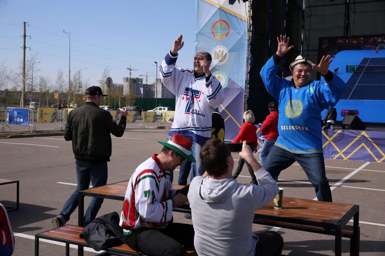 Эмоции болельщиков Казахстана после очередной победы