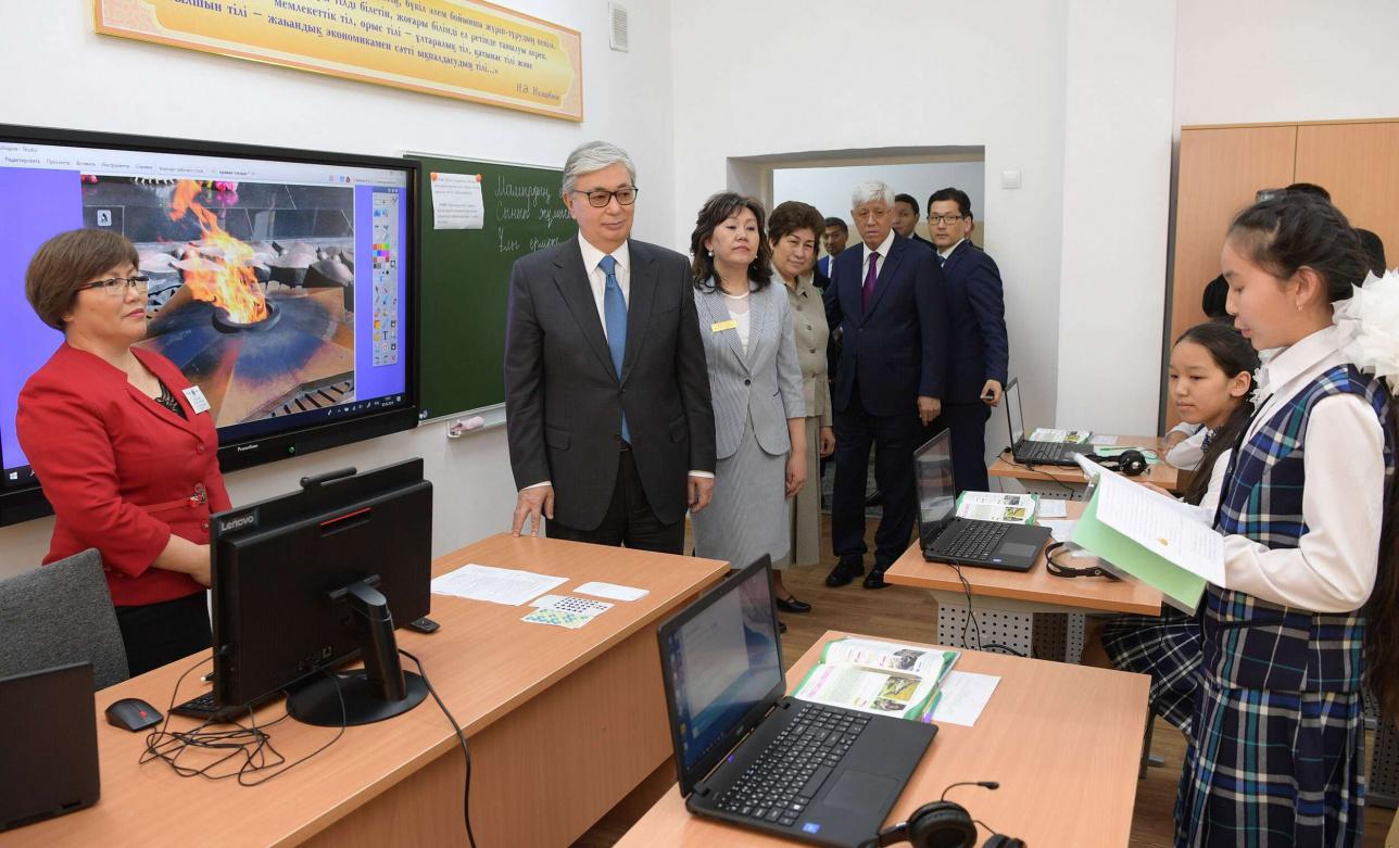Президент пожелал школьникам успехов в учебе