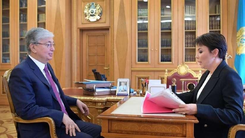 Президент РК Касым-Жомарт Токаев и Аружан Саин