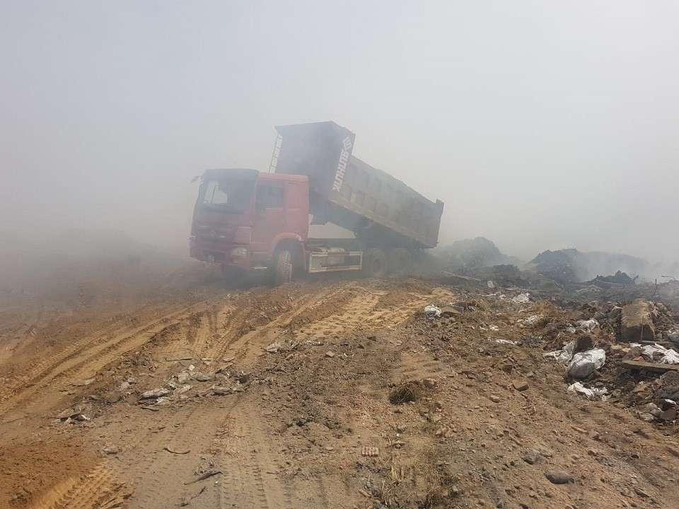 Тушение возгорания на мусорном полигоне под Алматы