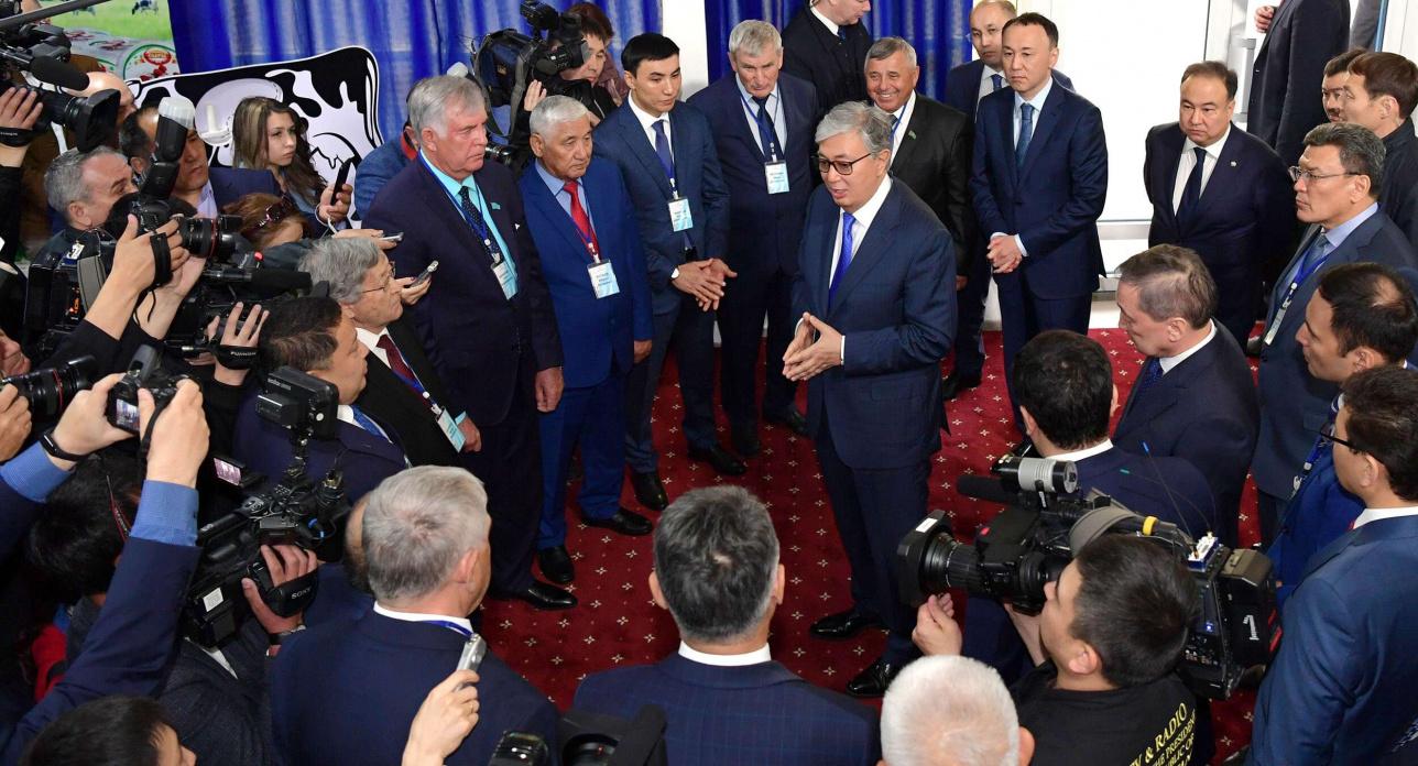 Президент побеседовал с сельxозтоваропроизводителями области
