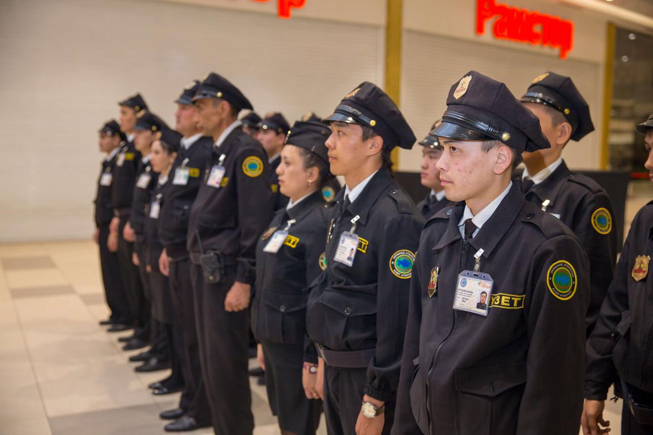 Охранники в MEGA Silk Way