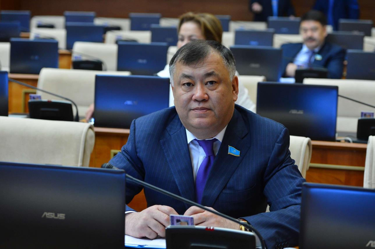 Депутат Нұрлан Дулатбеков