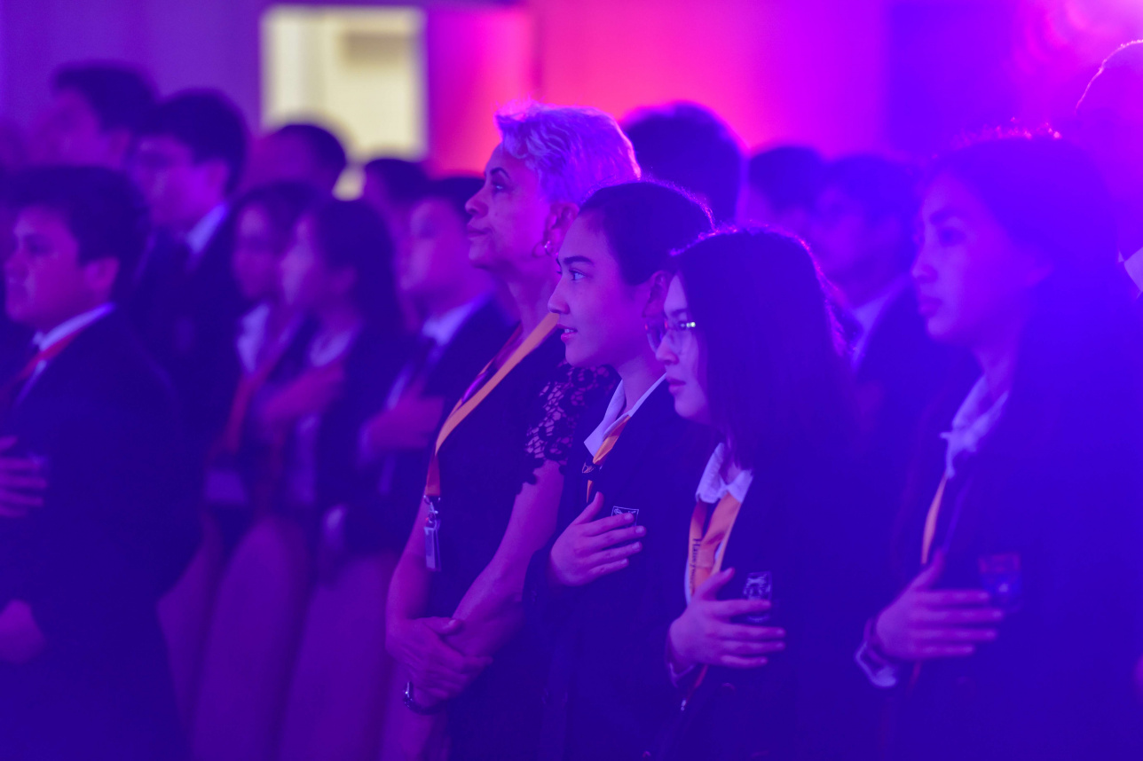 Ученики Haileybury Almaty на праздновании 10-летия школы