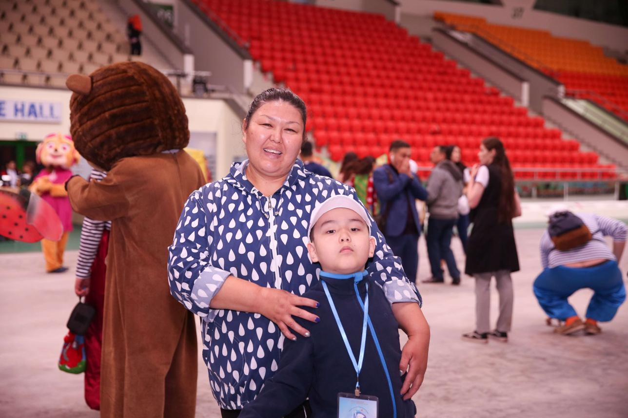 Гульмира Самарова с сыном Ер