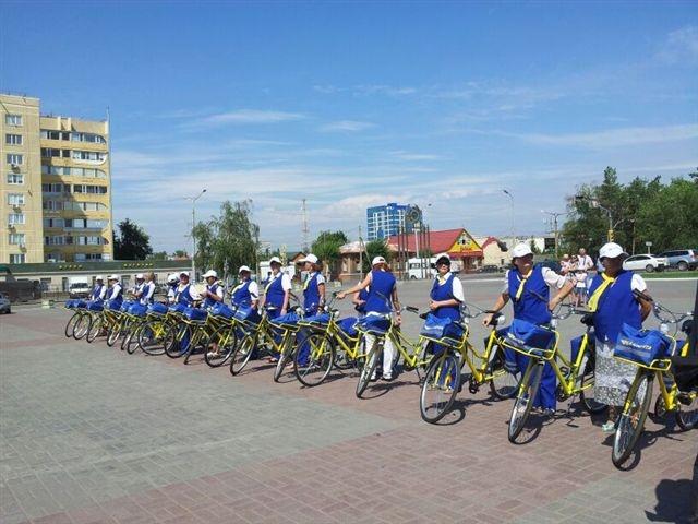 Все велосипеды имеют корпоративный цвет и логотип компании.
