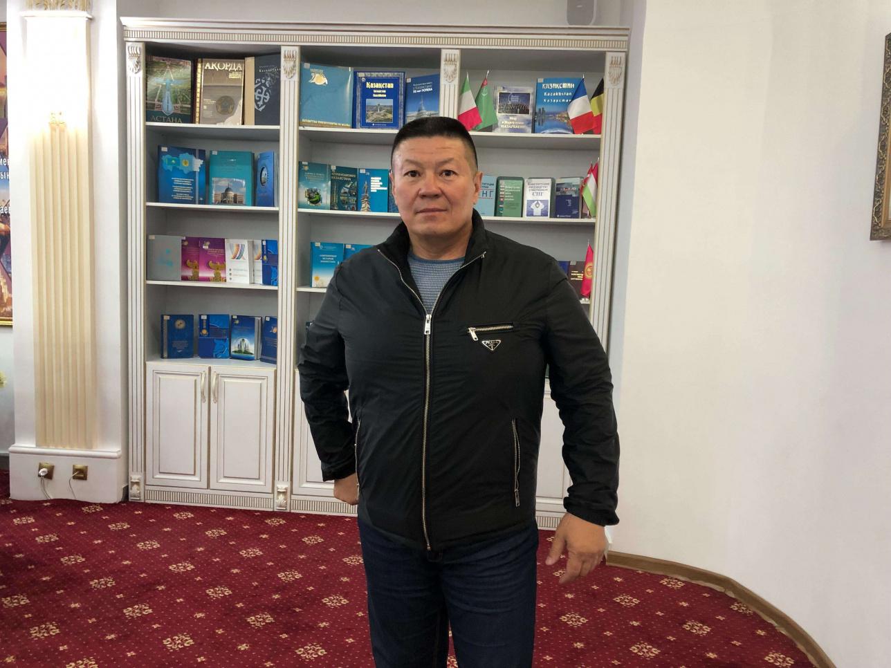 Депутат Бакытбек Смагул пришёл голосовать
