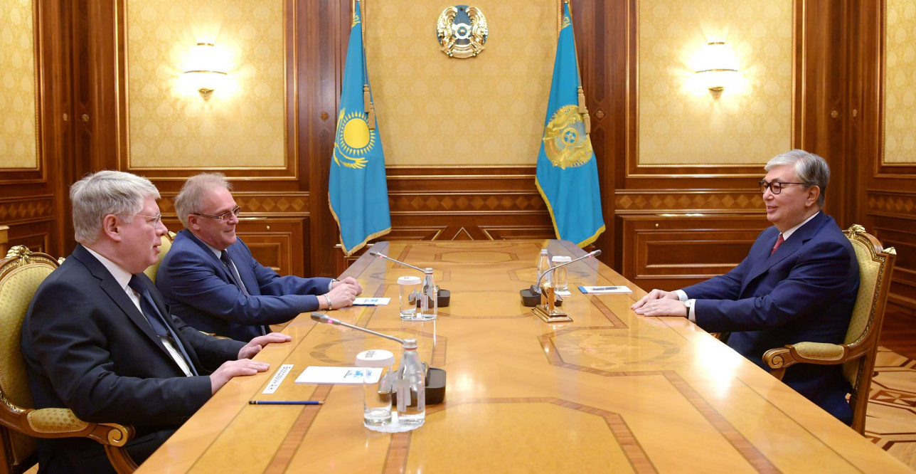 Посол РФ передал Касым-Жомарту Токаеву поздравления от Владимира Путина