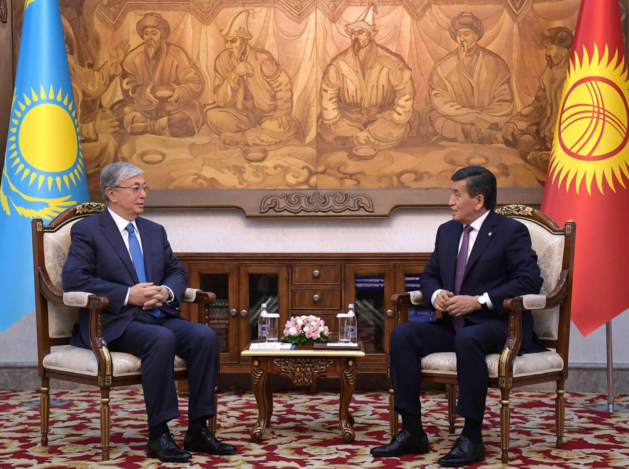 Токаев и Жээнбеков встретились в Бишкеке