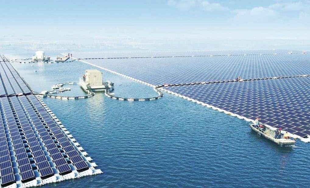 Қытайдың Аньхой провинциясындағы жүзбелі күн электр стансасы
