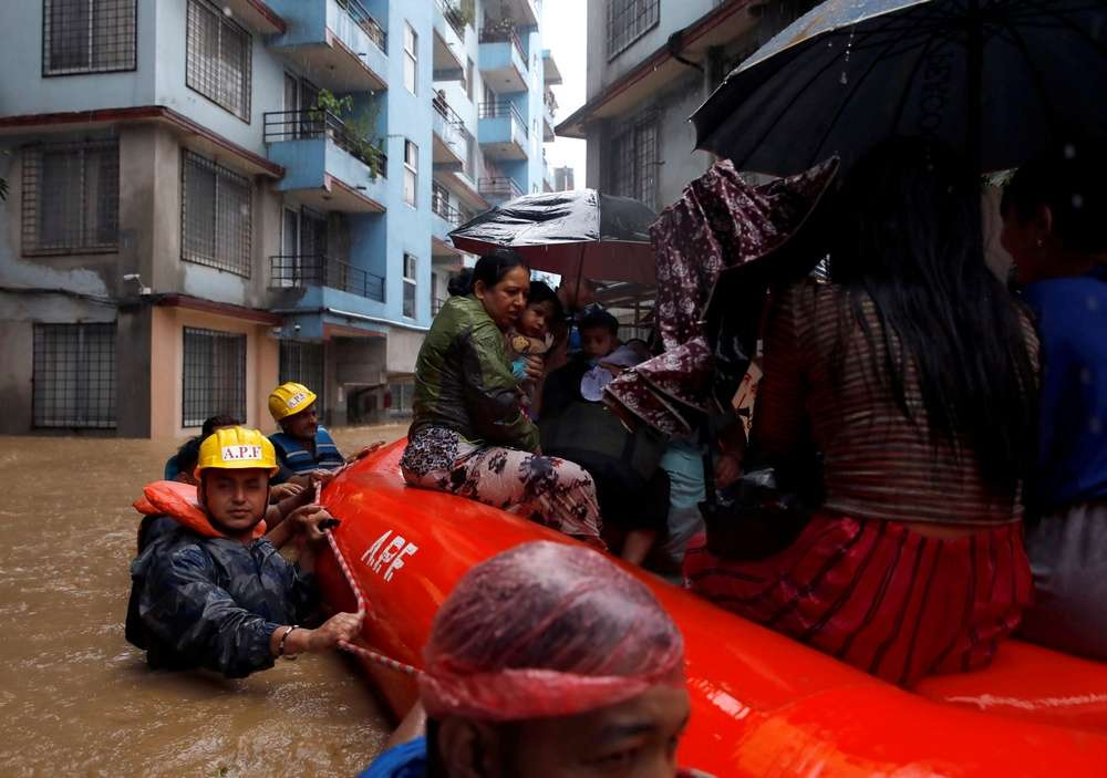 Тысячи жителей Непала вынуждены покинуть свои дома