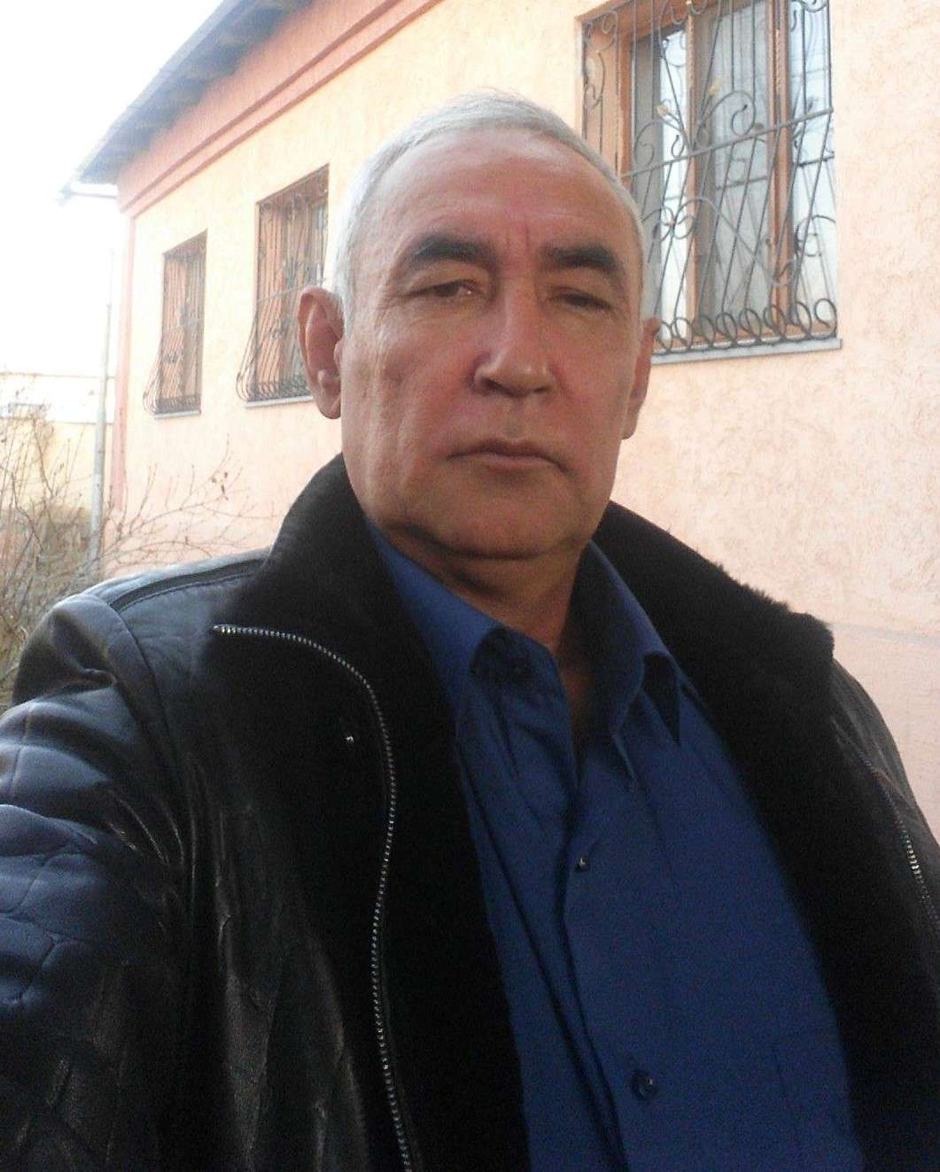 Олег Нахов