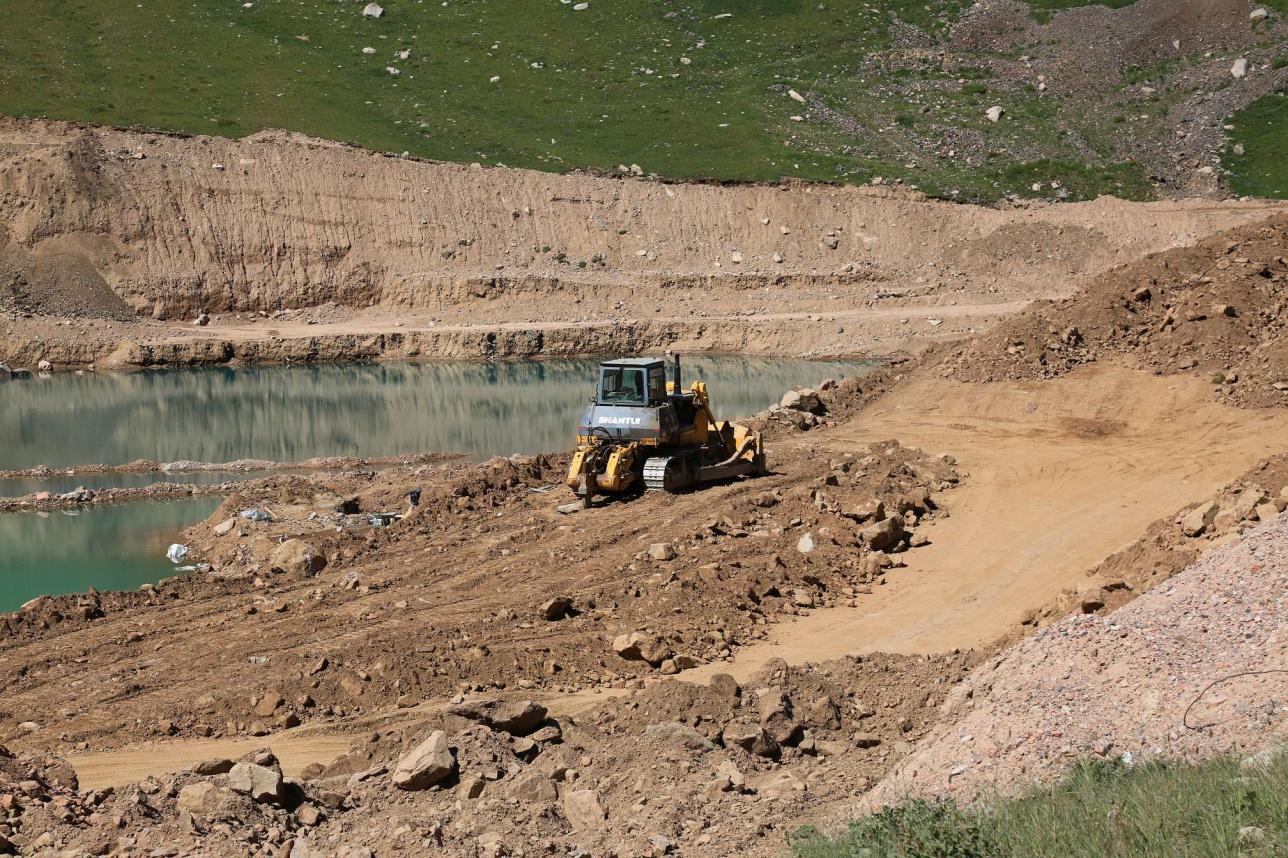 Строительство плотины в урочище Мынжылки.