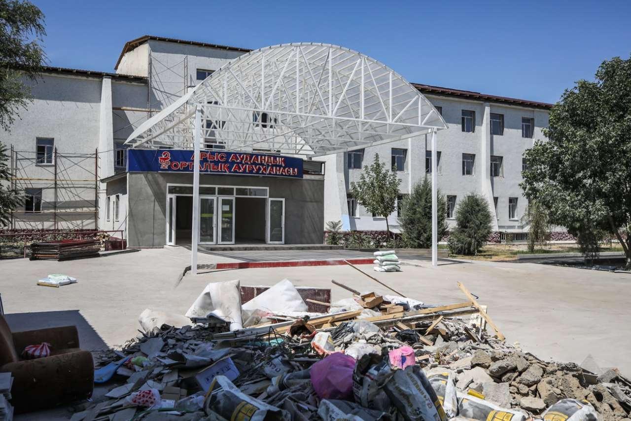 Здание больницы в Арыси