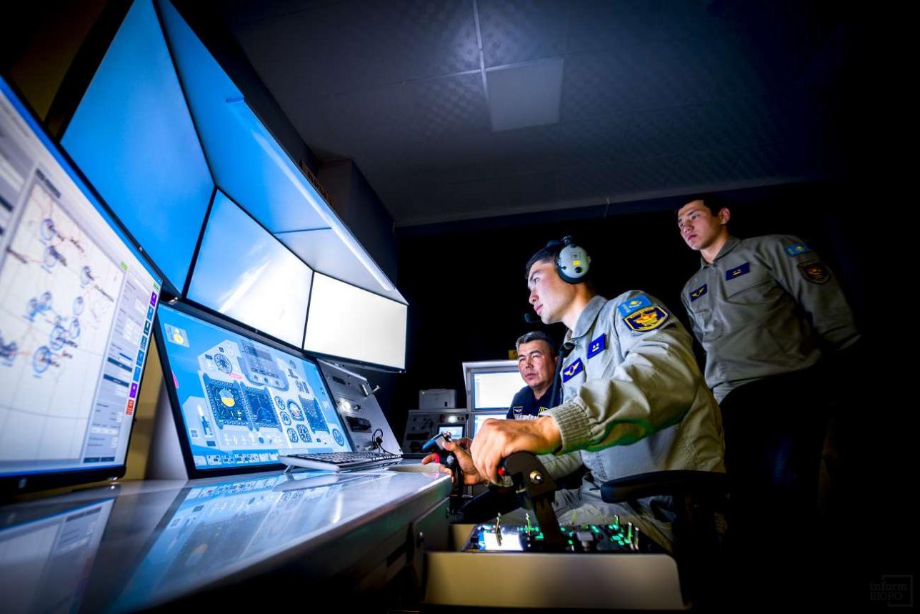 Сегмент тренажёра для индивидуальной подготовки лётчика