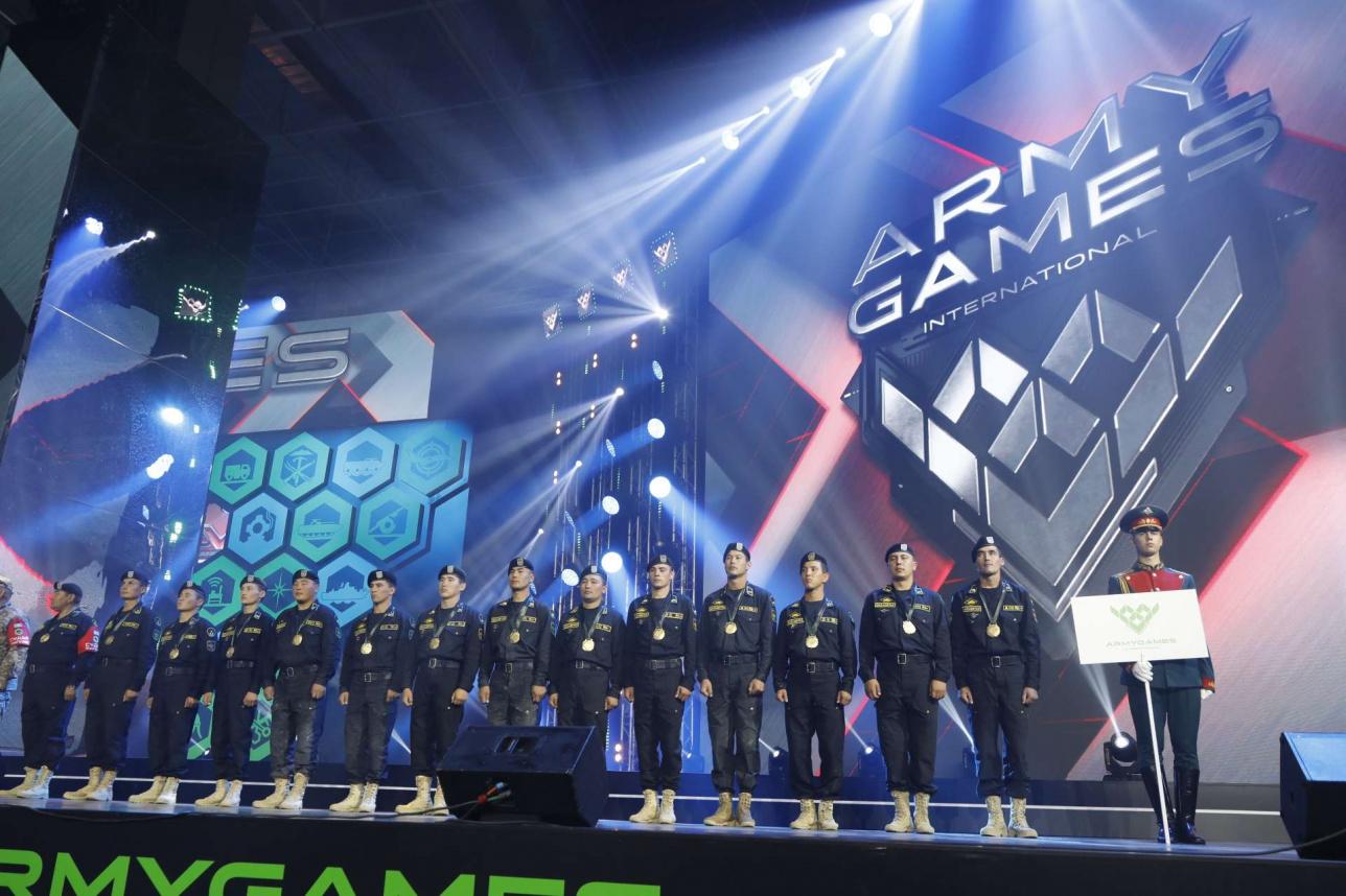 Казахстанская сборная во время церемонии награждения