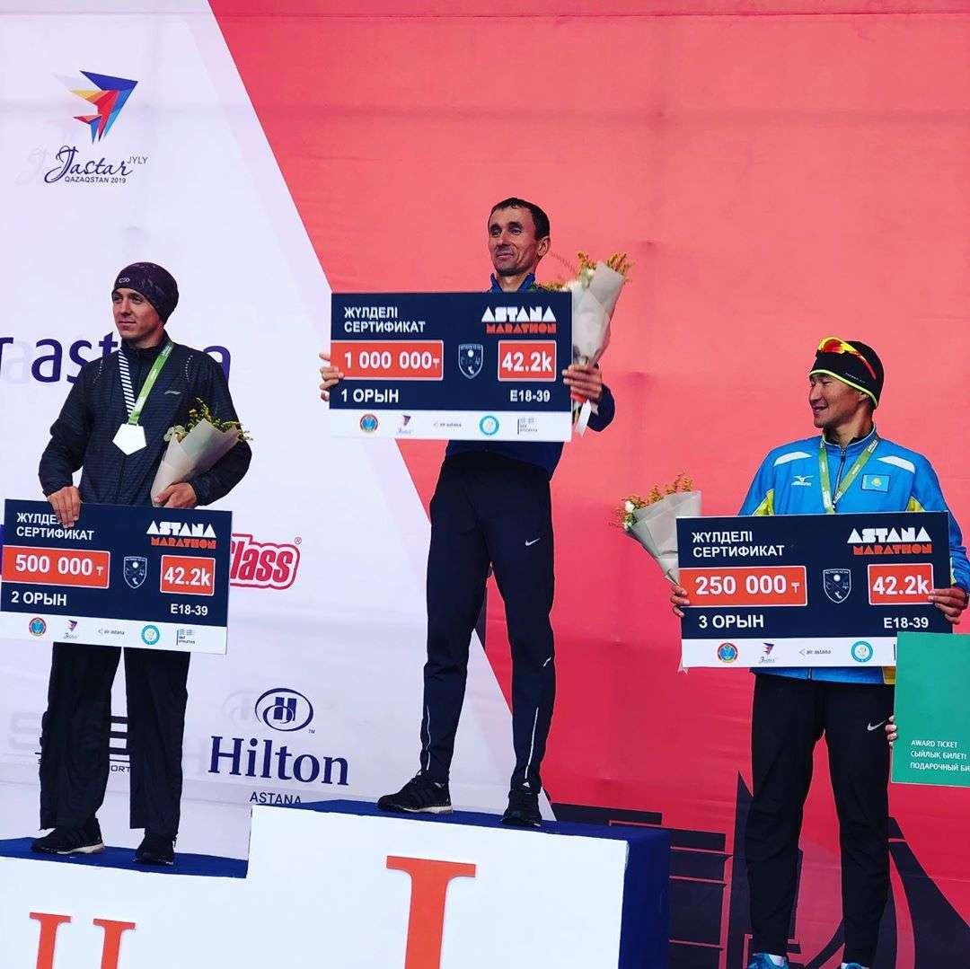 Победитель на дистанции 42.2 км в абсолюте Зикирилло Маматкулов из Узбекистана