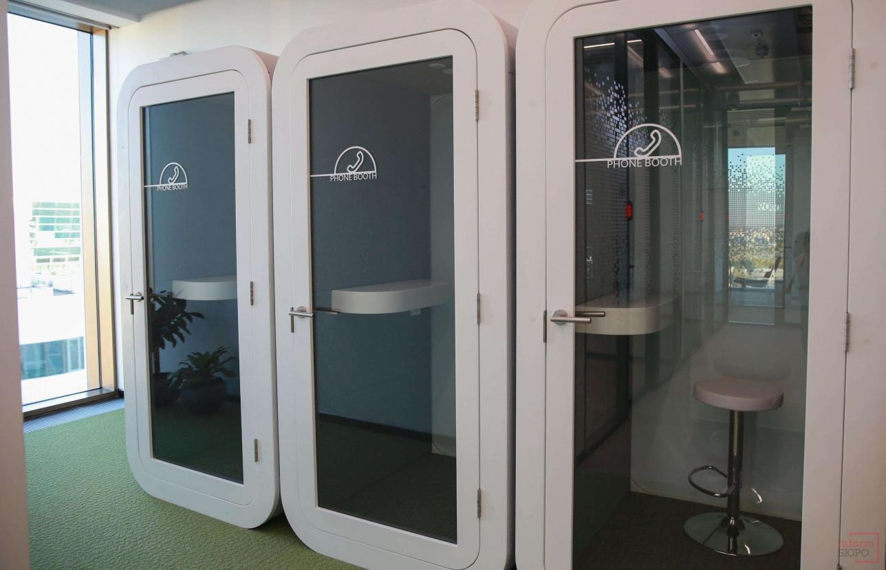 Телефонные будки для приватных разговоров