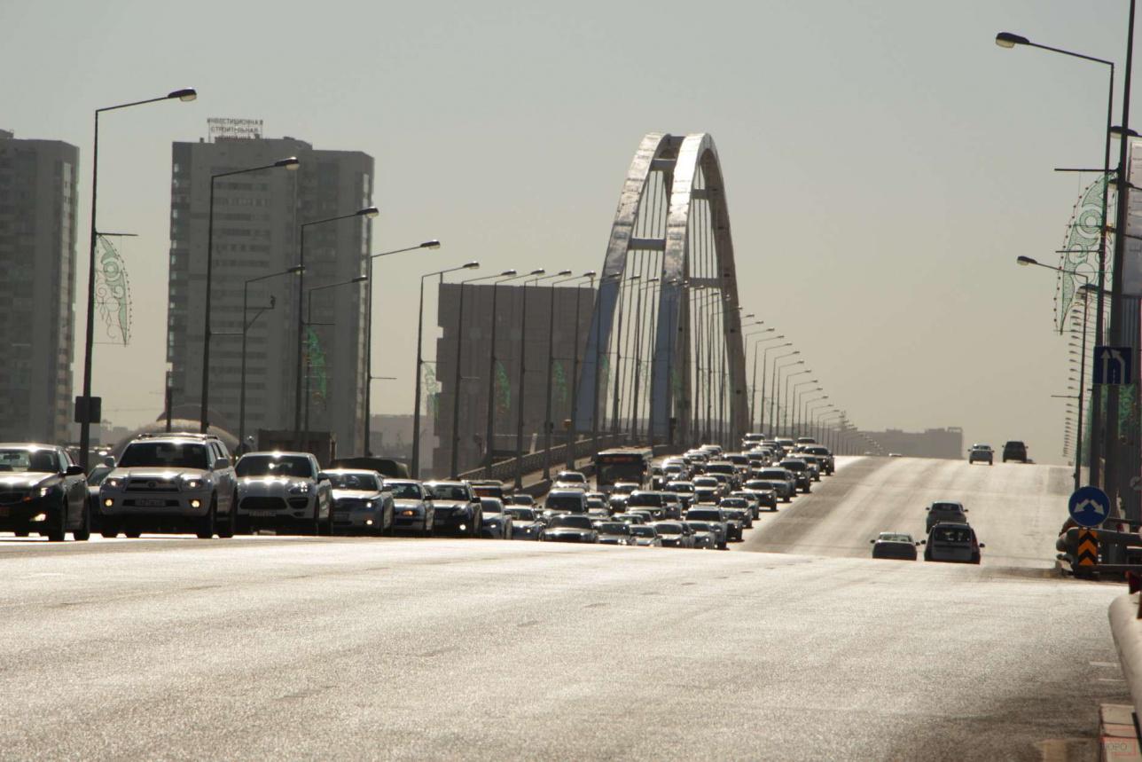 Пробка на мосту в Нур-Султане