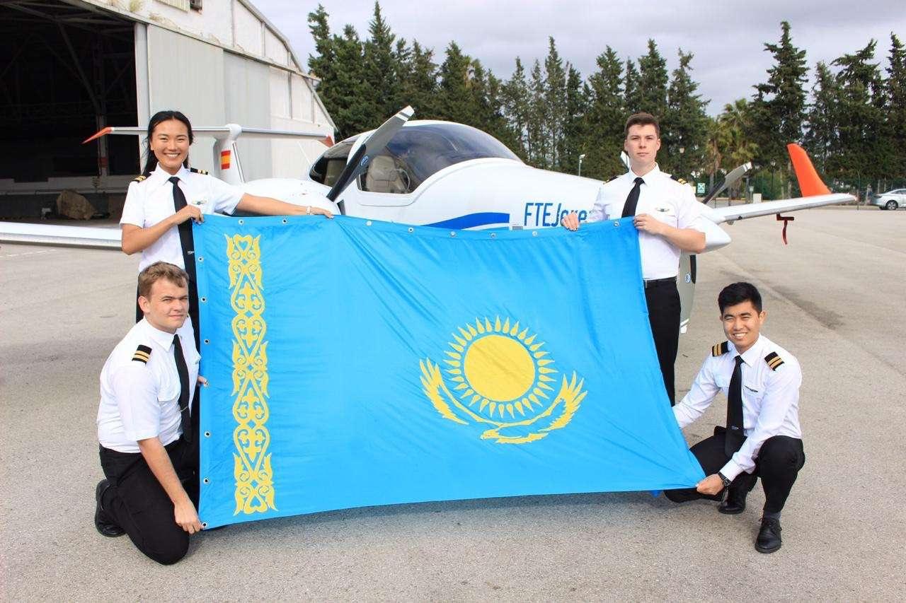 Кадеты Air Astana на обучении в лётной школе