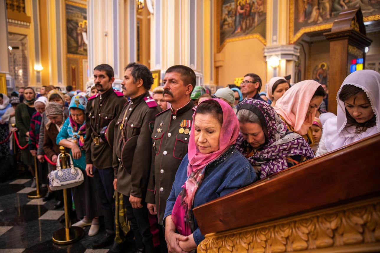 Прихожане собора на открытии