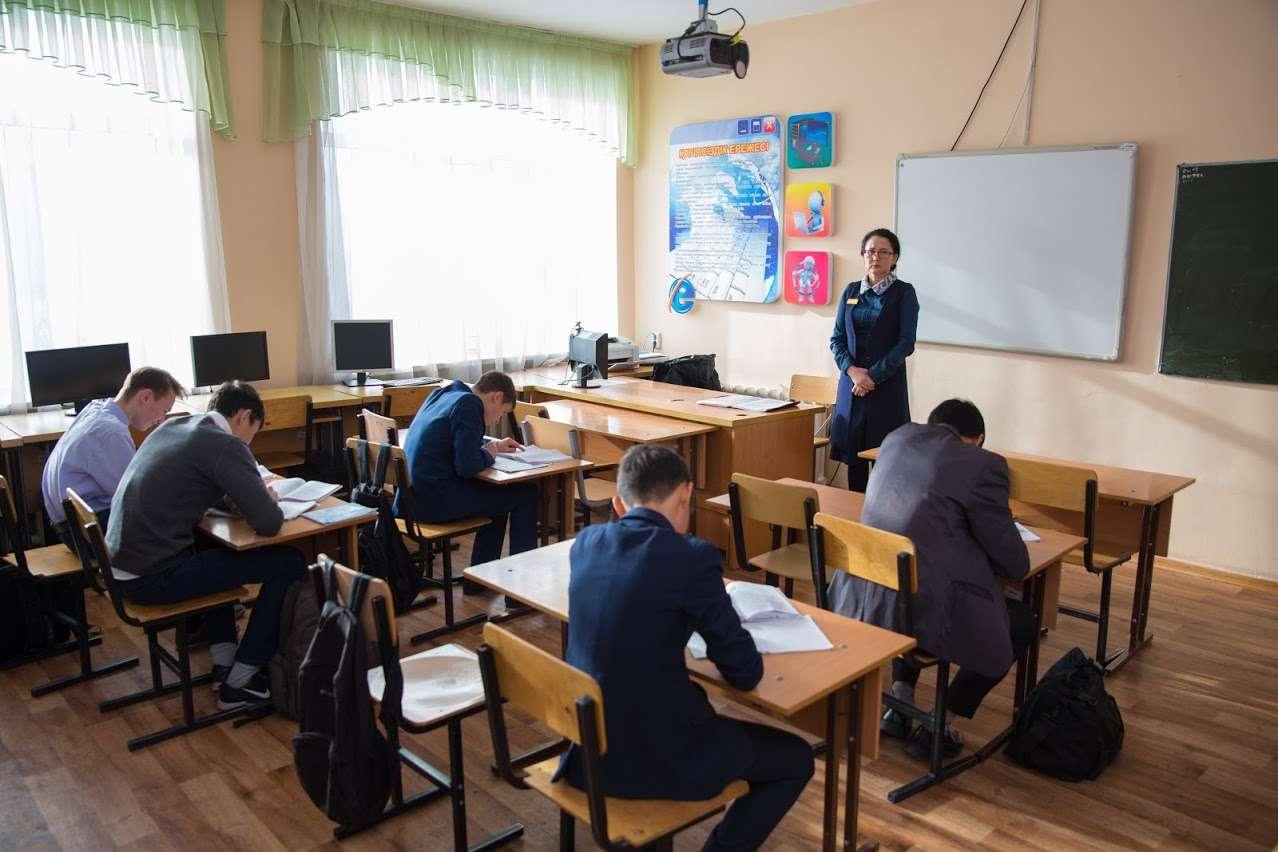 Учителя против выполнения обязанностей охранника