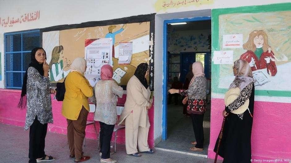 Избирательный участок в Тунисе