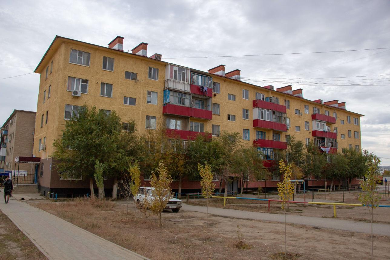 Один из восстановленных домов в центре Алги