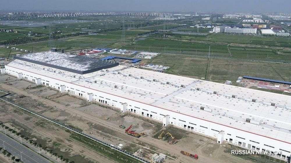 Завод Tesla в Шанхае построили за 10 месяцев