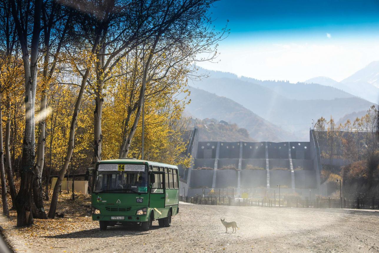№14 автобустың соңғы аялдамасы Қарғалы өзеніндегі бөгеттің алдында
