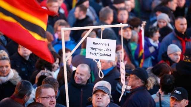 Германияның Дрезден қаласындағы бой көрсету кезіндегі символдық дар ағашы