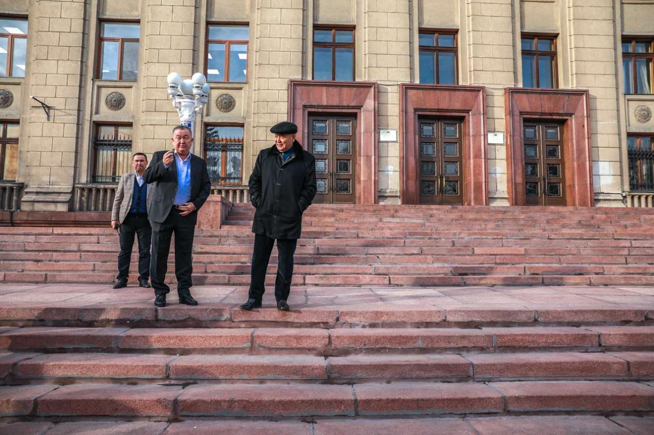 Депутат 12-го созыва ВС КазССР Серик Байбатыров